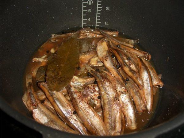 Рыба в заливке в чаше мультиварки