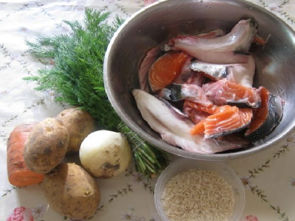 Сёмга, овощи, зелень, рис