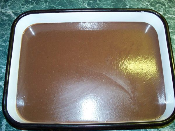 Шоколадная масса в форме
