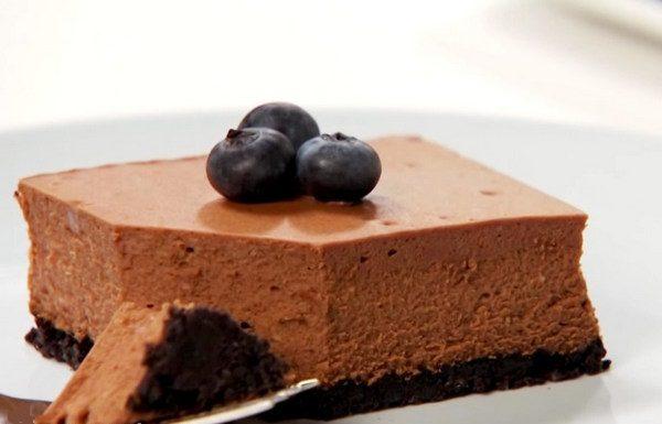 Шоколадное суфле в торте