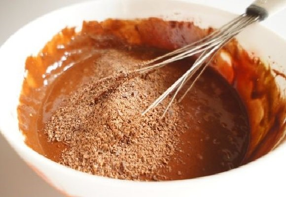 Тесто для шоколадного пирога без яиц