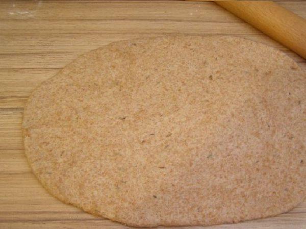 Тесто, раскатанное в пласт