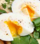 яйца пашот со шпинатом