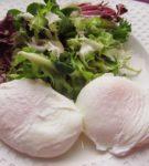 яйца пашот с зеленью