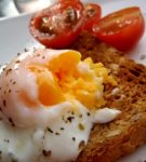 яйцо пашот на тосте