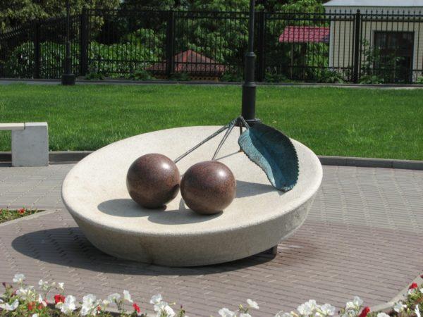 Памятник вишне Владимирской