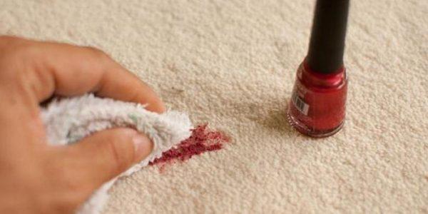 Пятно от лака на ковре