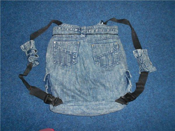 dzhinsovyj-rjukzak-600x450 Яркий рюкзак из старых джинсов