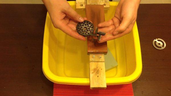 заточка ножей для мясорубки на точильном камне