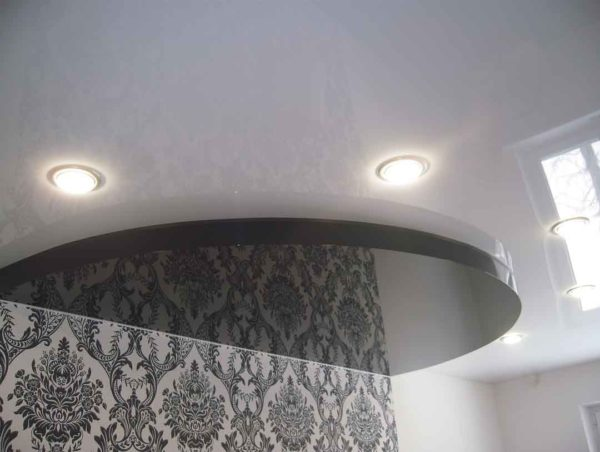 Stretch ceiling with light