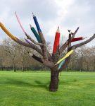Дерево — цветные карандаши
