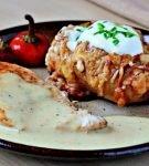 Картошка с мясом под соусом