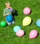Мальчик и воздушные шары
