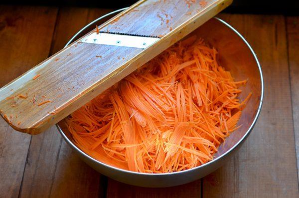 Морковь, нашинкованная тёркой