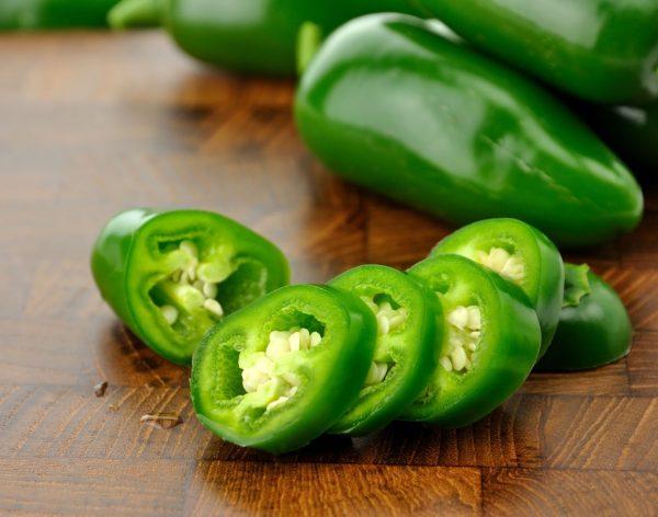 Нарезанный зелёный перец