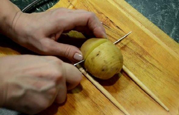 Нарезка клубня картофеля