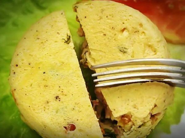 Омлет с белым хлебом