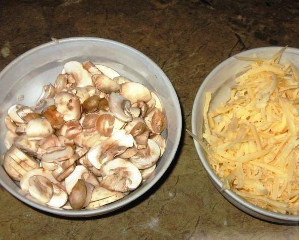 Шампиньоны и сыр