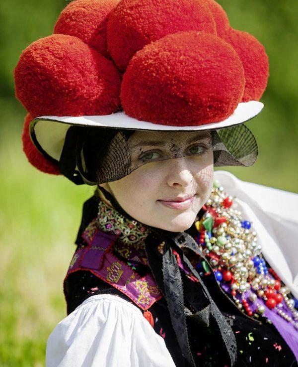 Шварцвальдская женская шляпа
