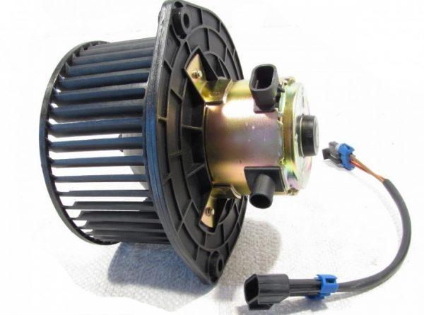Вентилятор отопителя фирмы Luzar