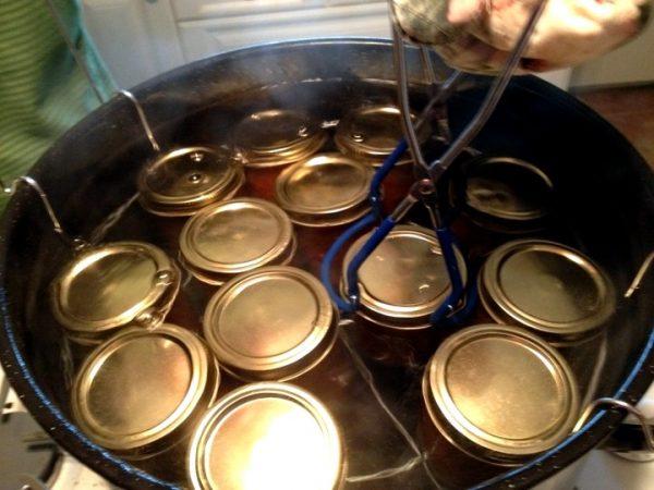 Стерилизация банок с баклажанами