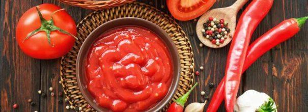 Кетчуп и ингредиенты для него