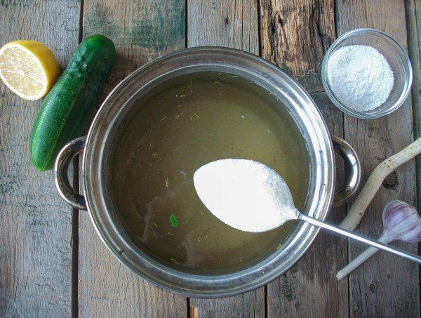 Сахар для маринада в столовой ложке