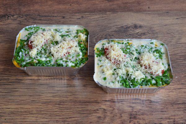 Заготовки для запеканок с зелёным луком и тёртым сыром