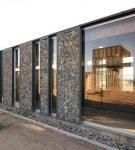 Дом из габионов