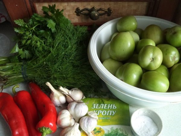 Помидоры, перец,зелень и чеснок