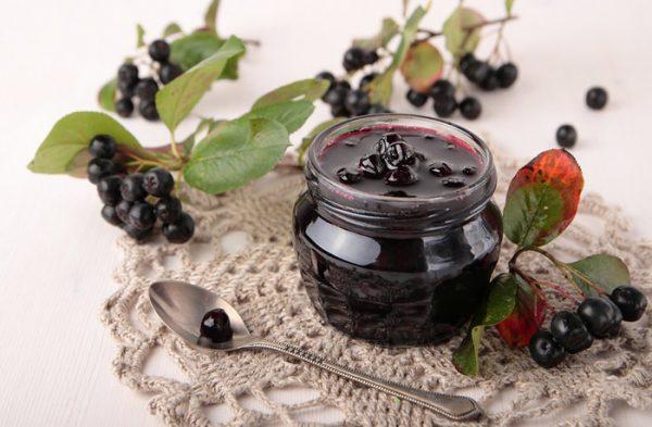 Варенье-пятиминутка из черноплодной рябины