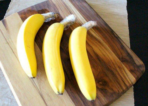 хвостики бананов в плёнке