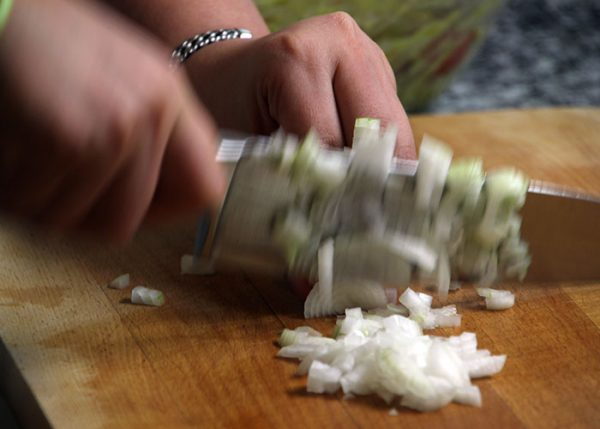нарезание лука