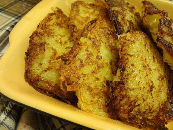 Картофельные драники с фаршем в форме для запекания