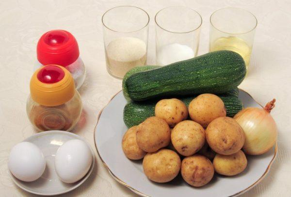 Продукты для приготовления картофельных драников с кабачками