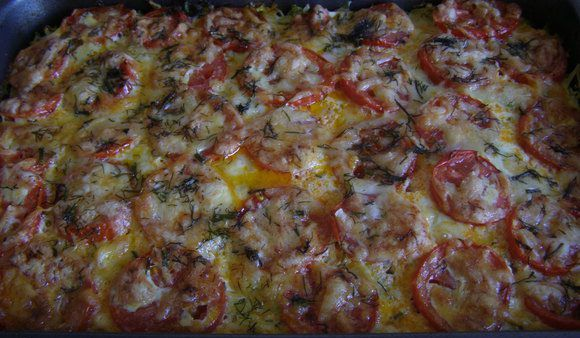 Запеканка из кабачков с фаршем, помидорами, сыром и укропом