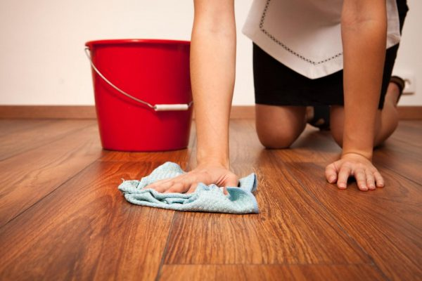 мытьё ламинатного пола