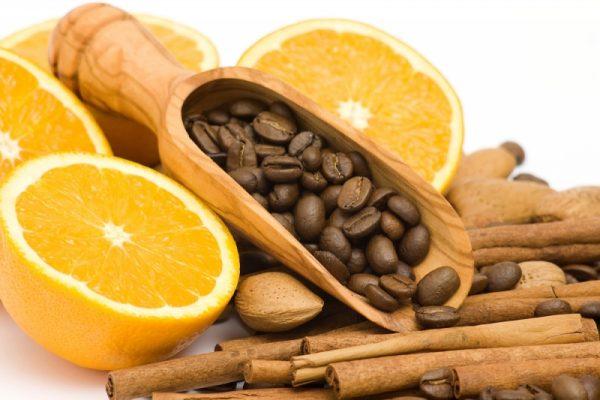 кофейные зерна и апельсин