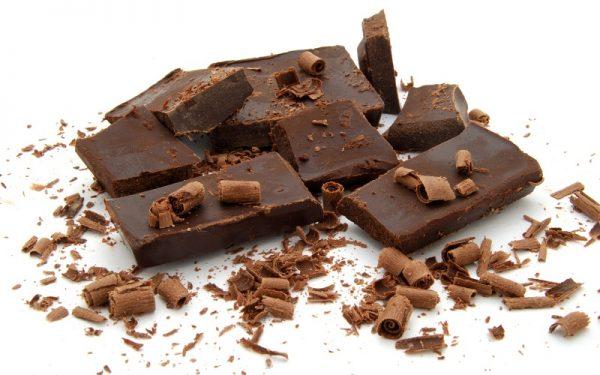 Кусочки и стружка шоколада