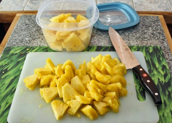 кусочки ананаса