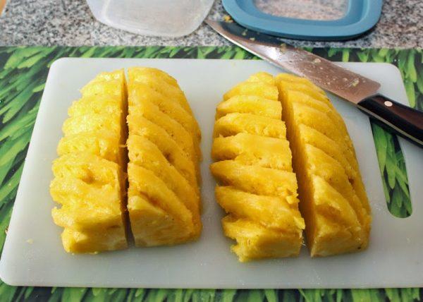 разрезание ананаса