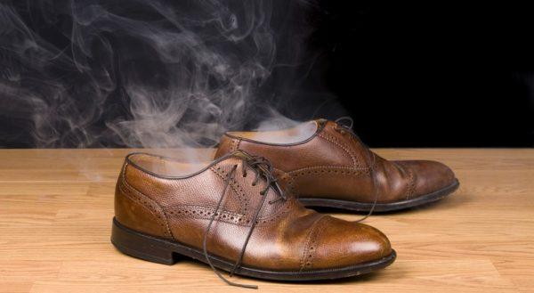 химический запах от обуви