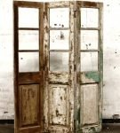 Ширма из старых дверей