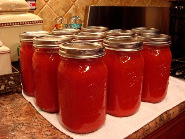 Банки с томатным соком