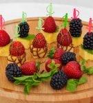 фруктовые канапе с шоколадом