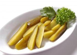Хрустящие огурчики с ароматом специй - лучшая закуска к рюмочке холодной водки