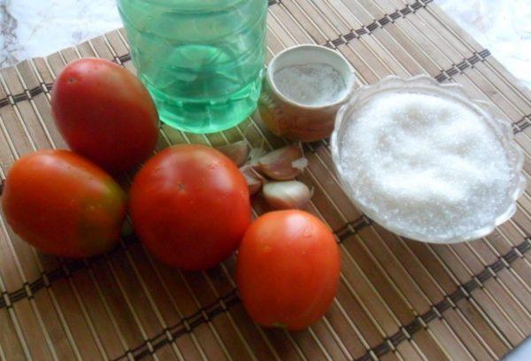 Продукты для заготовки помидоров с чесноком на зиму