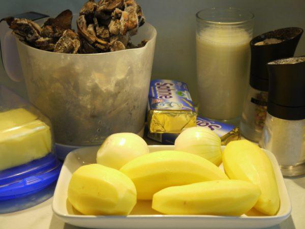 Продукты для приготовления сырно-грибного супа