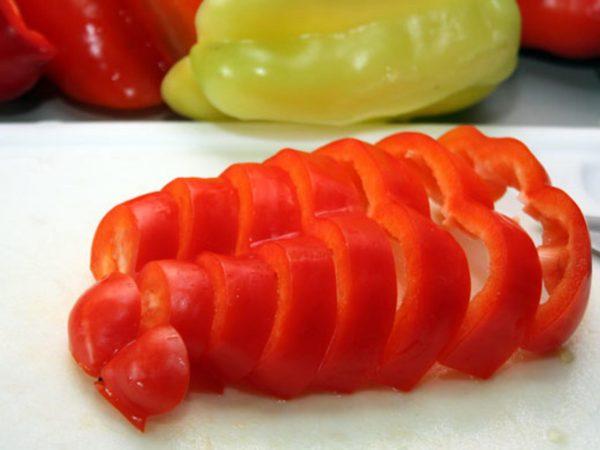 Нарезанный сладкий перец