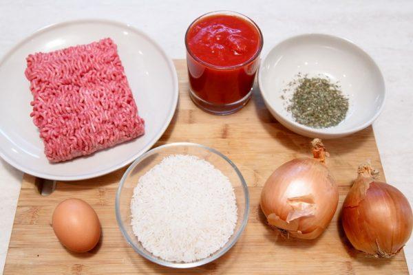Продукты для ёжиков из фарша с рисом